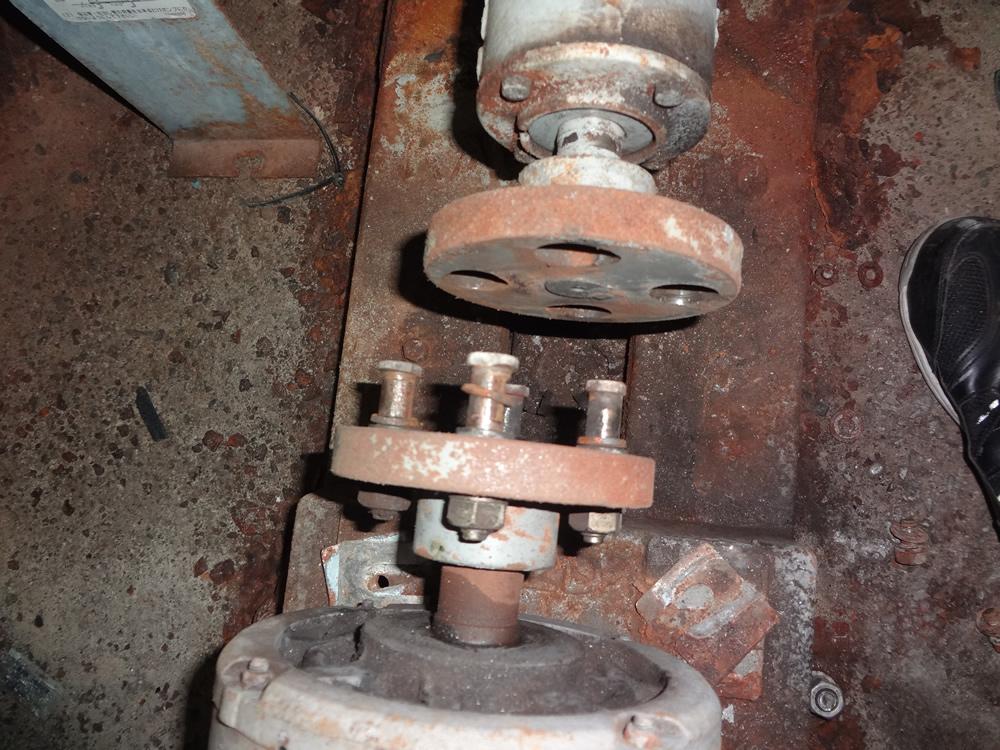 芯出し不良によりカップリングボルトのゴムが無くなってしまい、金属同士の接触により動力伝達していたポンプ
