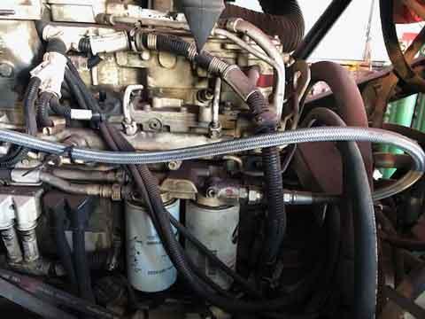 洗浄したエンジン周りの写真